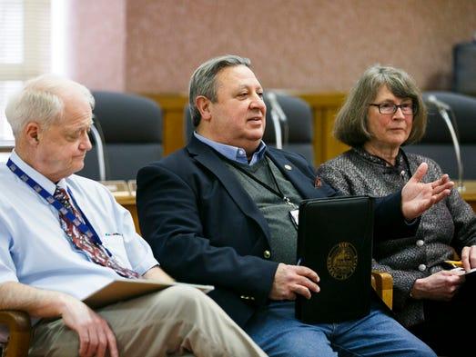 (Left to right) Senate President Peter Courtney, D-Salem,