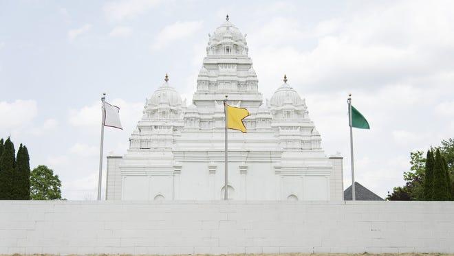 Paschima Kasi Sri Viswanatha Temple in Flint Township, Mich.