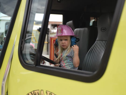 A visitor to the Mountain Home Fire Department on Saturday