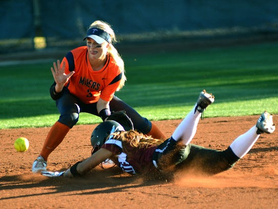 New Mexico State's Brennalyn Nakamura steals second