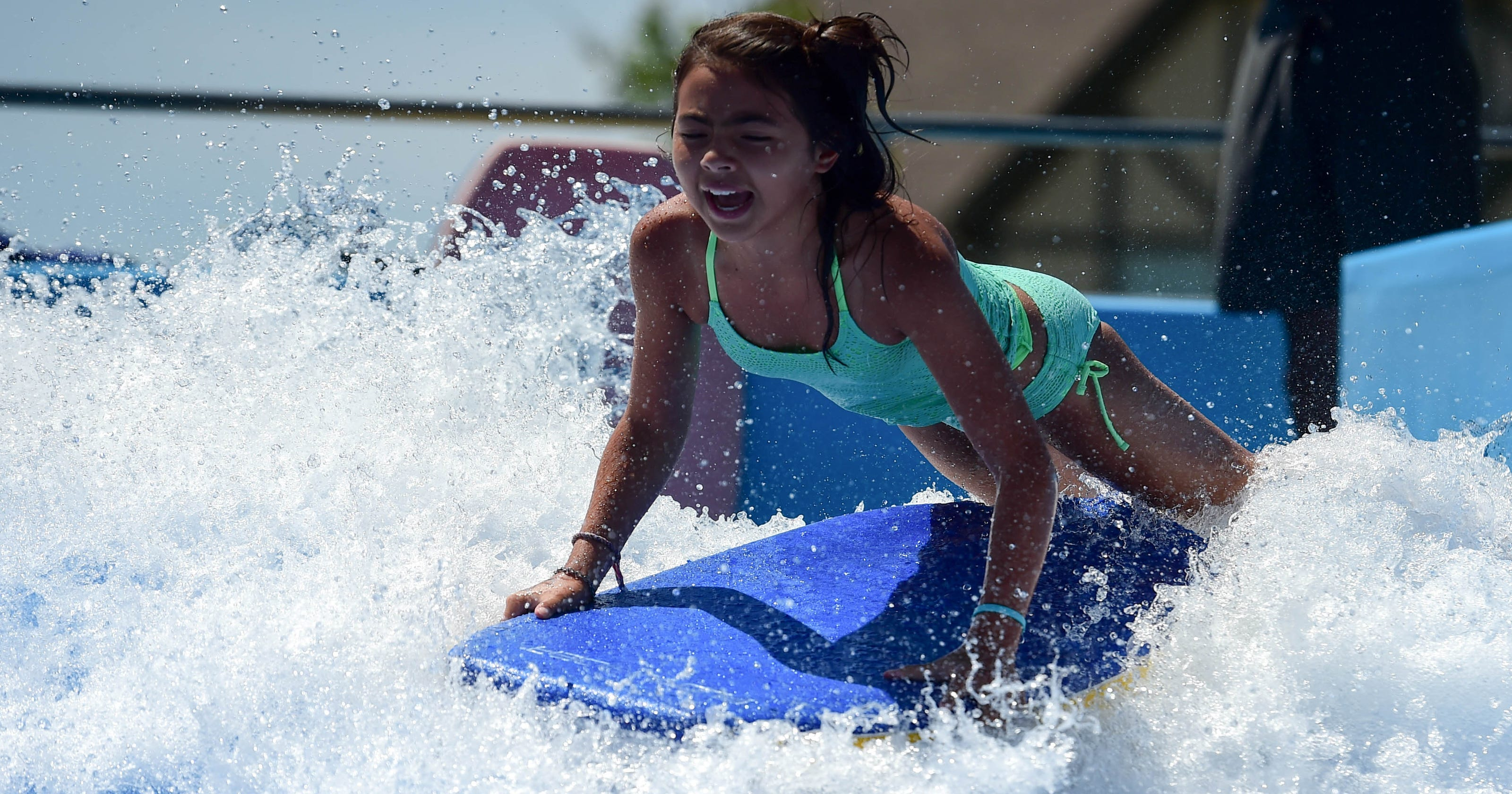 Guide To Des Moines Area Swimming Pools