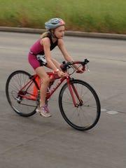 Kids' triathlon competitor Lexi Clark