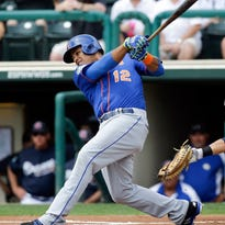Mets outfielder Juan Lagares struggling in camp despite working on swing