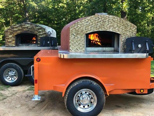 636555919463192270-Fergndan-s-Pizz-stoves.jpg
