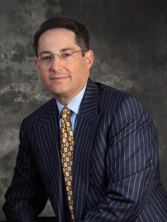 Dr. Michael Nusbaum