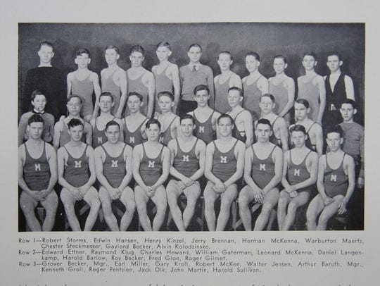 A portrait of the Manitowoc Lincoln swim team in the