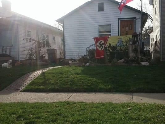 636249490038258138-nazi-flag.jpg