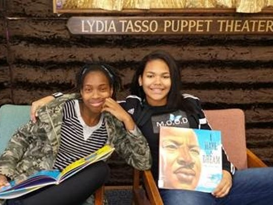 Members of MOOD read to children and crafted dream