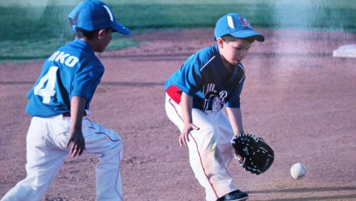 T-ball and baseball leagues and tournaments are registering players and teams across the El Paso area.