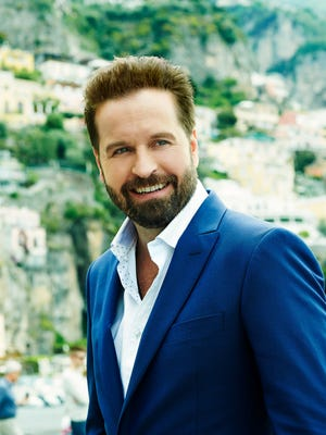 Alfie Boe will perform with the Phoenix Symphony on June 4 and 5.
