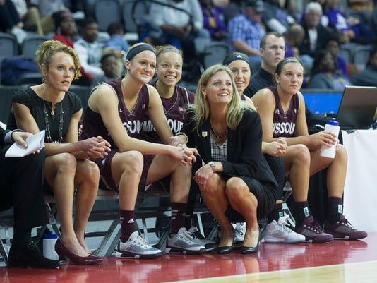 Lady Bears Coach Kellie Harper -WBB-vs-UNI-JRS