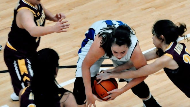 It was a fight to the finish for Hondo's girls that hosted Vaughn for the 46-41 victory at the Class 1A District 3 Championship game Saturday.
