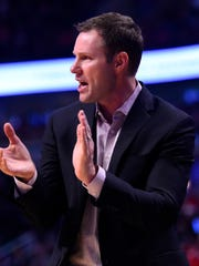 Chicago Bulls head coach Fred Hoiberg reacts to a play