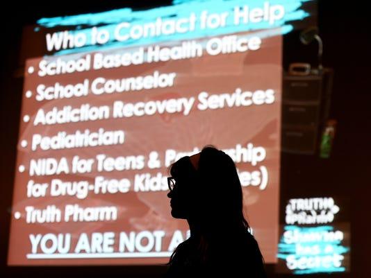 636577824445799487--03272018-opioid-kc06.JPG