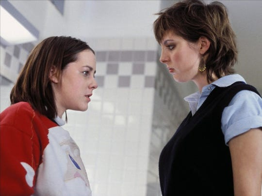 "Jena Malone and Eva Amurri Martino star in the overlooked comedy ""Saved!"""