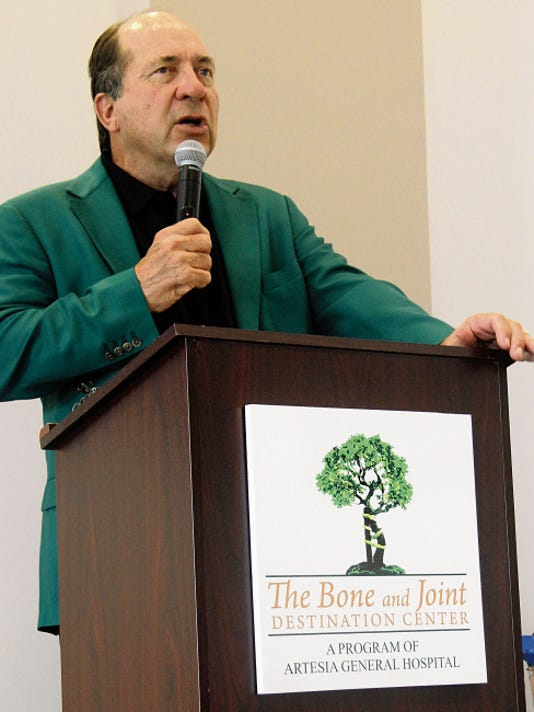 Johnny Bench shares his experience with hip replacement Wednesday at the Bone and Joint Destination Center at Artesia General Hospital.
