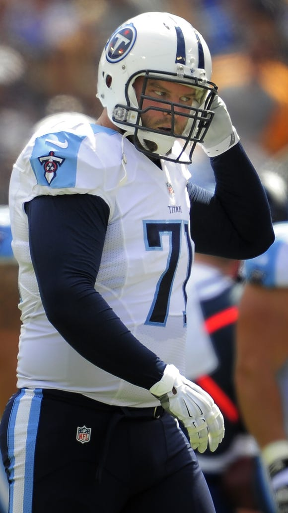 Titans tackle Michael Roos