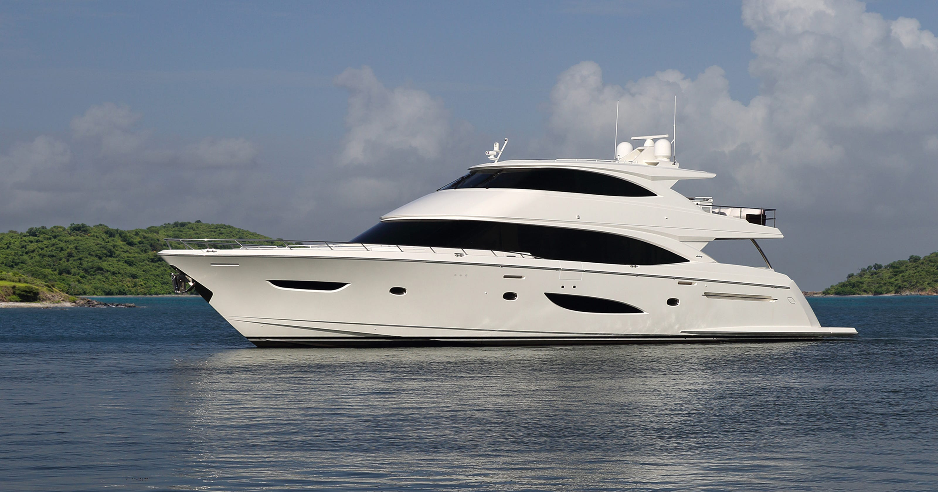 Sea Ray to lay off 380 workers  This yacht company wants to
