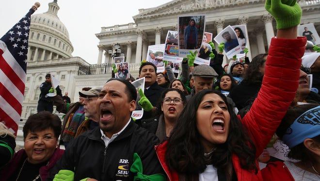 """Demócratas buscan llegar a un acuerdo definitivo sobre el presupuesto y resolver la regularización de los cerca de 800.000 """"soñadores"""" protegidos de la deportación."""
