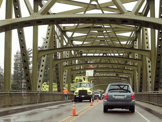 Agate Bridge Traffic 02.JPG