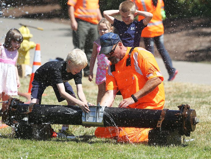 Public Works Day is a day of family fun and activities such as water main repair clamp demonstrations and getting up close to Bobcats, dump trucks and other Public Works equipment, 10:30 a.m. to 2 p.m. Thursday, June 21, Riverfront Park. Free. 503-588-6211.