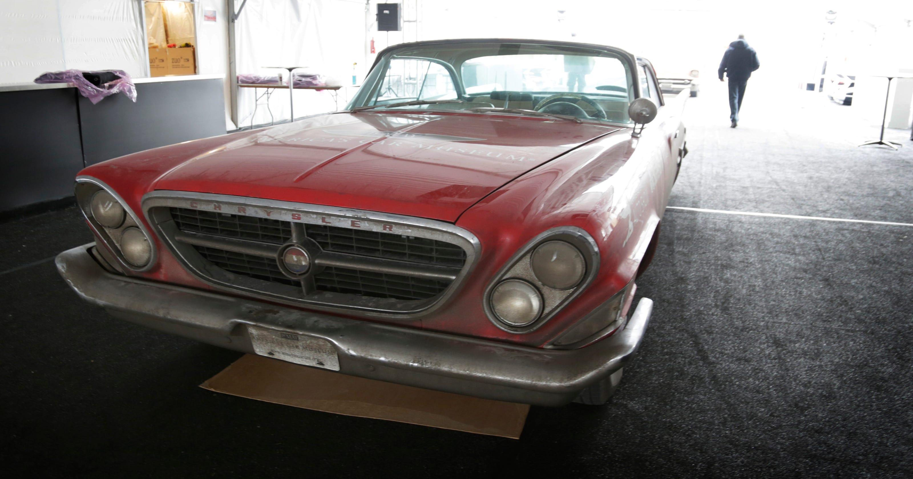 Detroit Free Press Auto >> 3 Bright Red Classics End 2 900 Mile Cruise To Auto Show