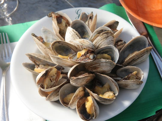 Clams prepared as steamers at Gus's Franklin Park Restaurant