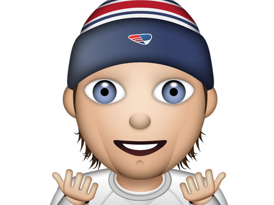 "Patriots quarterback Tom Brady says ""I'm terrific"" with his emoji."