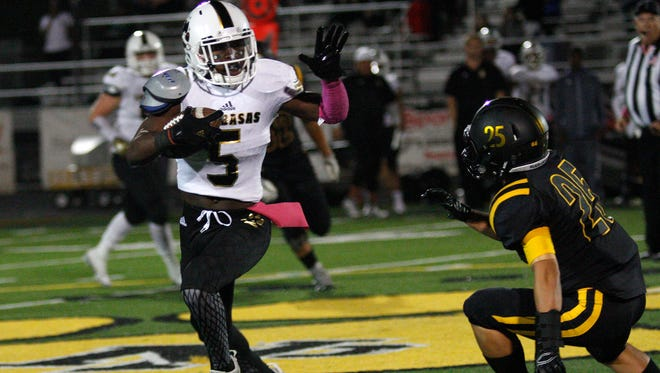 After missing the CIF-SS final with a virus, playmaker Darnay Holmes, left, is expected to be back in the lineup when Calabasas plays at San Diego-Madison in a state semifinal game Friday night.