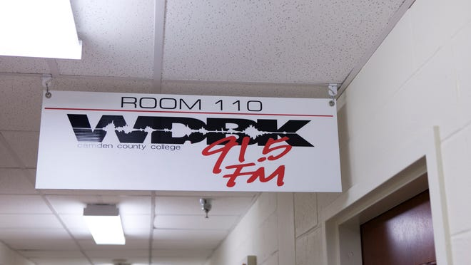 An auction on a govenrment webiste shows Camden County College's WDBK Radio up for sale with no current bidders, Tuesday, August 19, 2014 in Blackwood.