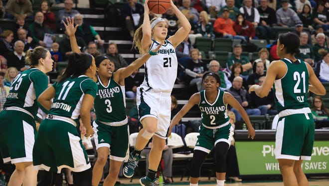 Jessica Lindstrom is averaging 15.6 points and 8.9 rebounds this season.