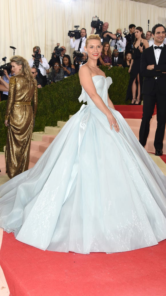 Claire Danes' pale blue dress was designed by Zac Posen,