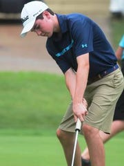 Max Lane returns to the Seven Hills golf team in 2017.