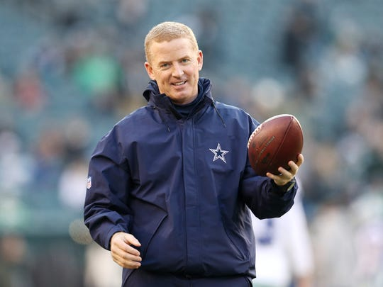 PHILADELPHIA, PENNSYLVANIA - DECEMBER 22: Head coach Jason Garrett of the Dallas Cowboys stands on the field before the game against the Philadelphia Eagles at Lincoln Financial Field on December 22, 2019 in Philadelphia, Pennsylvania. (Photo by Patrick Smith/Getty Images)