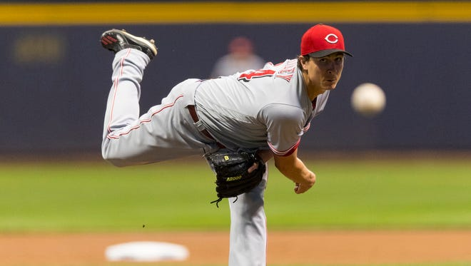 Cincinnati Reds pitcher Homer Bailey (34) throws a pitch during the first inning against the Milwaukee Brewers at Miller Park.