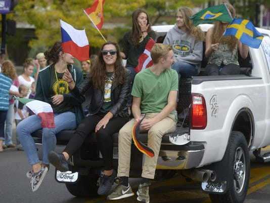 -09262014_cmr homecoming-h.jpg_20140926.jpg