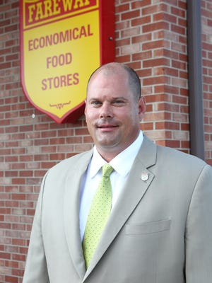 Fareway Food Stores Chief Executive Reynolds Cramer has been named 2016 Retailer of the Year by the Iowa Grocery Industry Association.