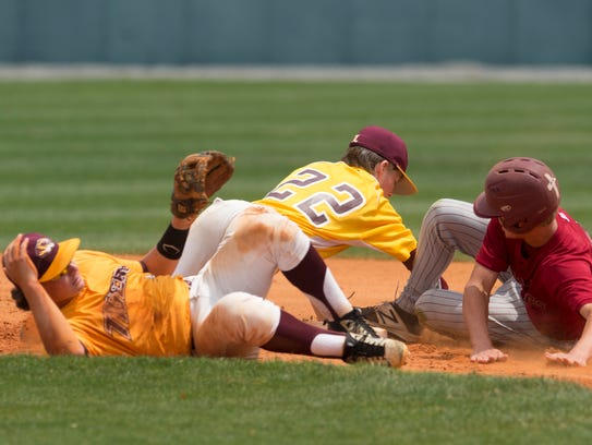 UMS-Wright's Skipper Snypes slides into second as LAMP's