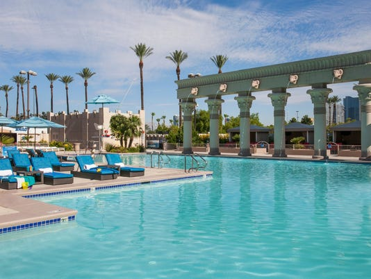 636567981841425643-Luxor-Hotel-Casino.jpg