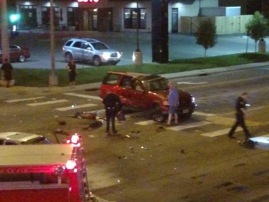 Driver runs red light, causes 3-car crash downtown