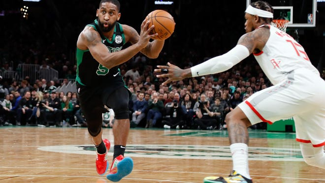 Boston Celtics guard Brad Wanamaker (9) drives against the Houston Rockets during the second half at TD Garden on Fev. 29, 2020.