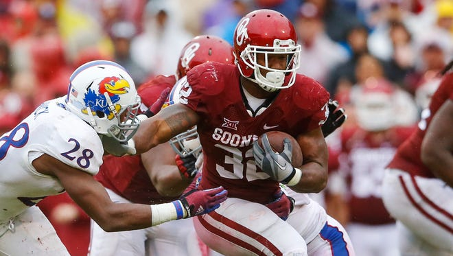 Oklahoma sophomore running back Samaje Perine is a leading candidate for the Doak Walker Award entering the 2015 season.