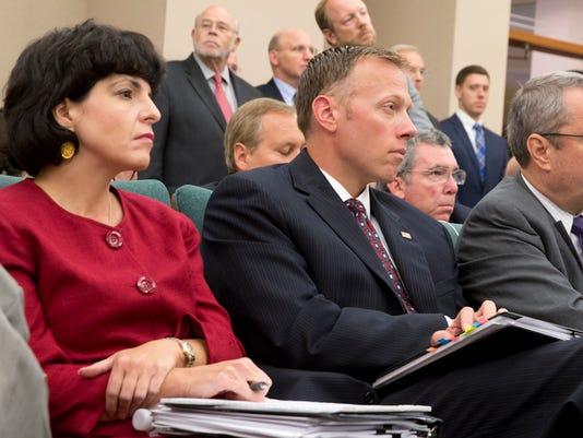 636299555938432224-Texas-Tribune-oil-energy-legislation.jpg