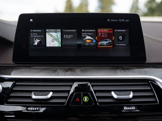 Apple CarPlay to work wirelessly on new cars
