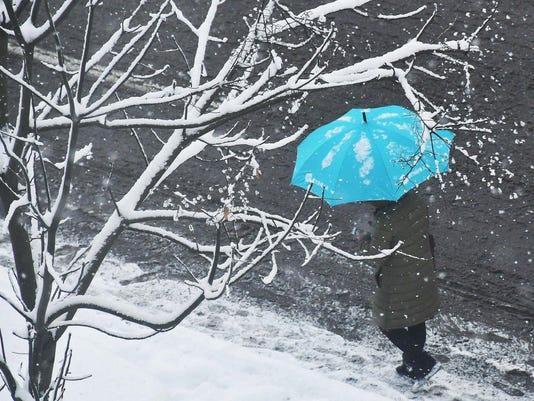 CHINA-WEATHER-SNOW
