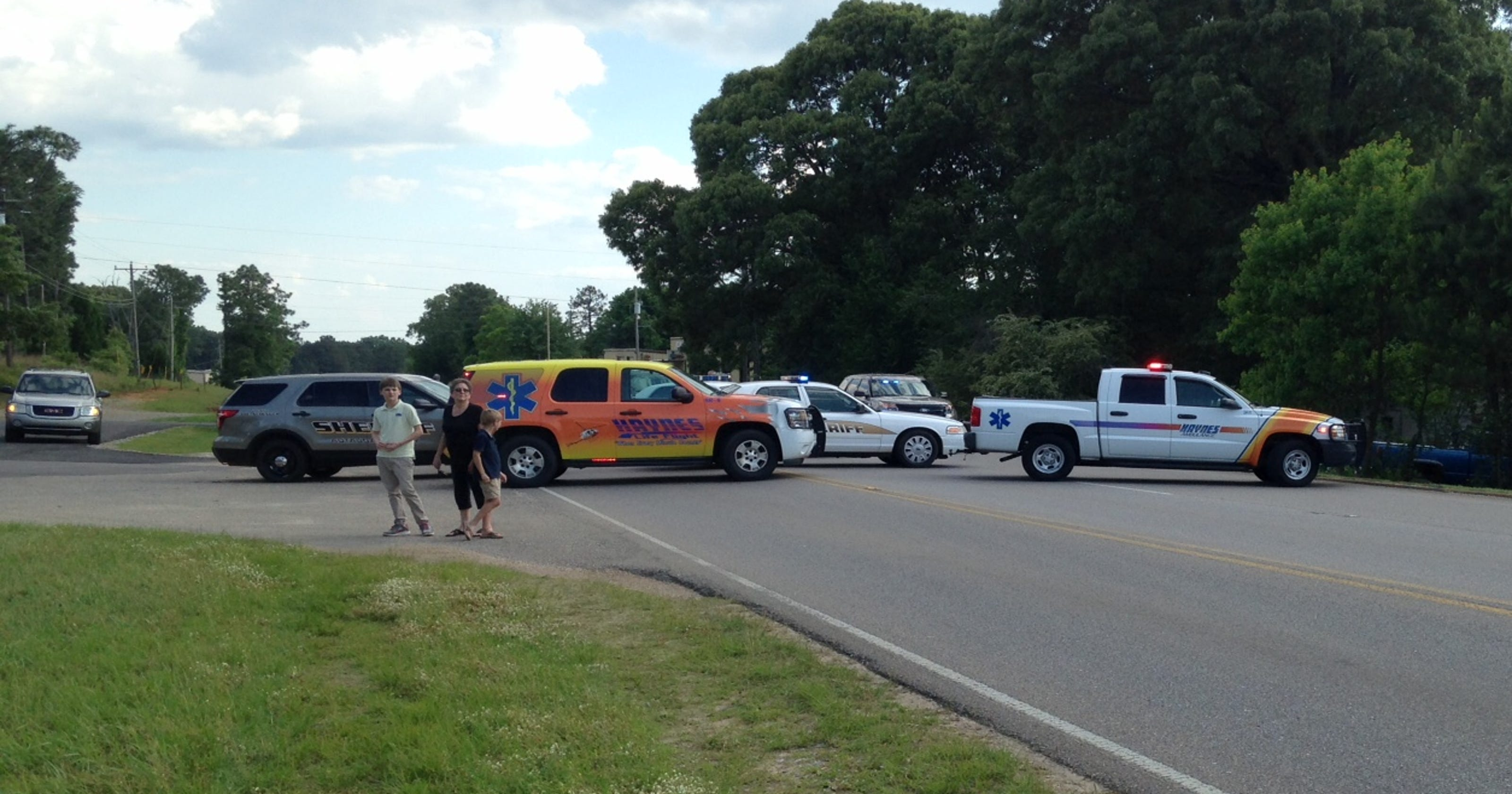 Officials ID 2 killed in crash near Prattville