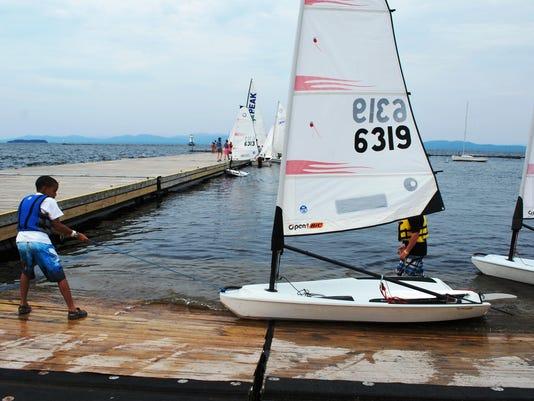 LEAD -BUR 0810 HT Sailing 02.JPG_20130801.jpg