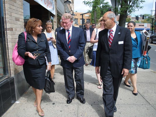 WalkingWestfield Walking Tour with SBA and Cong Lance Photo #1-A 8-10-15 020