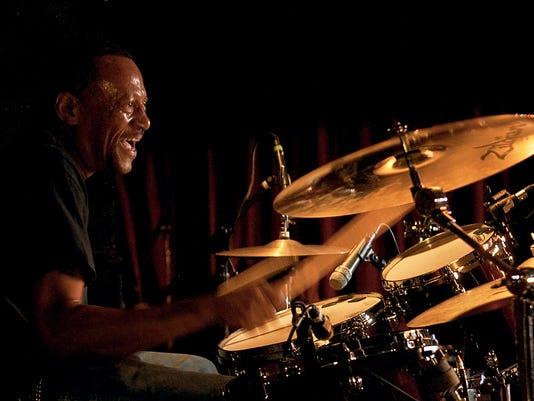 dc03_ec_web.jpgBoom on drums 2.jpg