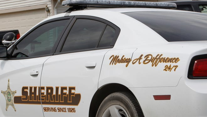 Sheriff's deputies investigated an attempted armed robbery late Sunday in the 2100 block of Malibu Drive just west of West Lafayette.